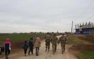 Американские военные открыли огонь в Сирии.