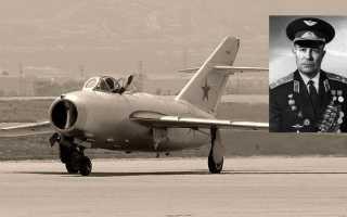 Пилот открыл огонь из авиационной пушки и попал под свои же снаряды.